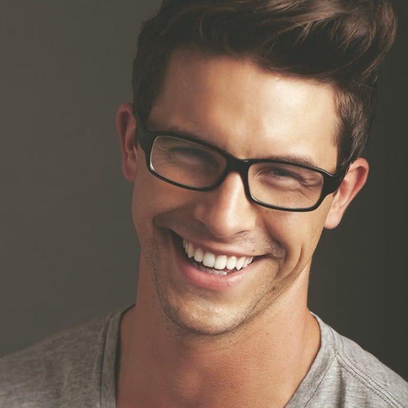 Кому нужно носить очки и в каком возрасте.