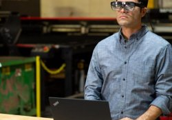 Смарт-очки Lenovo на выставке CES 2021