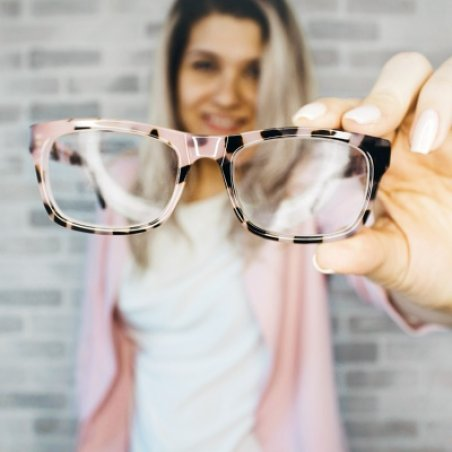 Как правильно совмещать очки и контактные линзы