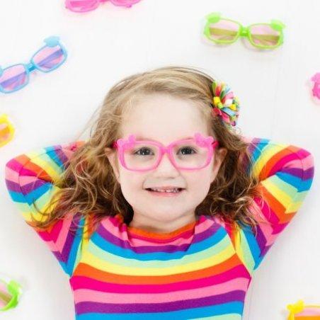 Плохое зрение у детей: очки или контактные линзы